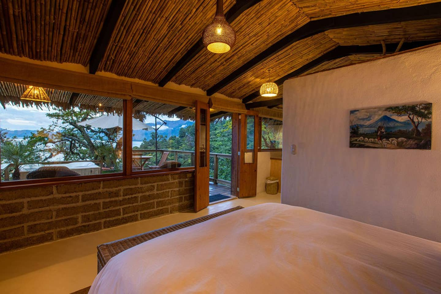 1bd/1 bath Cabin with stunning views and hot tub